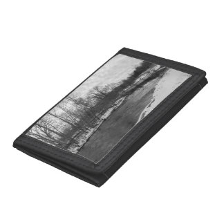 Snow Beauty James River Grayscale Tri-fold Wallet
