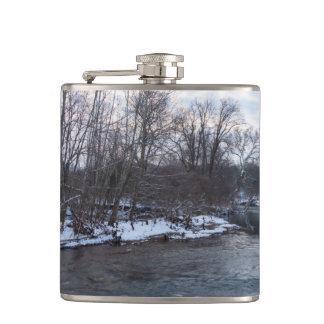Snow Beauty James River Hip Flask