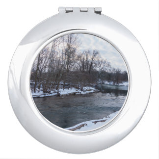Snow Beauty James River Makeup Mirror