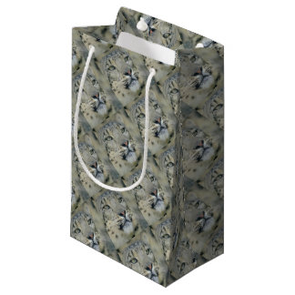 snow leopard small gift bag