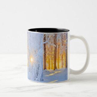 SNOW SCENE Two-Tone COFFEE MUG
