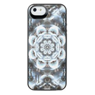 Snow Serenity Mandala iPhone SE/5/5s Battery Case