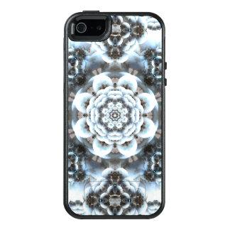 Snow Serenity Mandala OtterBox iPhone 5/5s/SE Case