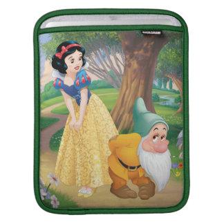 Snow White And Bashful iPad Sleeve