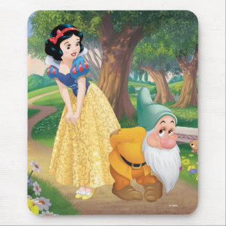 Snow White And Bashful Mouse Pad