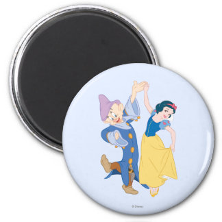 Snow White and Dopey dancing Magnet