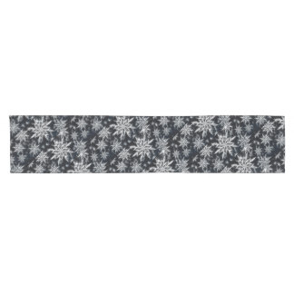 Snowflake feather look, Christmas star pattern Short Table Runner