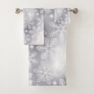 Snowflakes and lights bath towel set