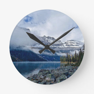 Snowy Mountains Scenic Round Clock