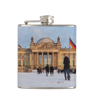Snowy Reichstag_001.02 (Reichstag im Schnee) Hip Flask
