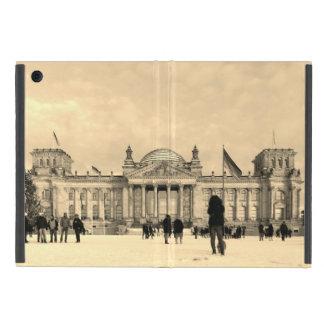 Snowy Reichstag_001.03.F (Reichstag im Schnee) iPad Mini Cover
