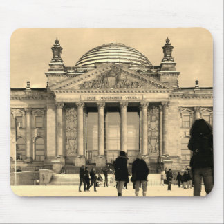 Snowy Reichstag_01.02.3.F.3 Mouse Pad