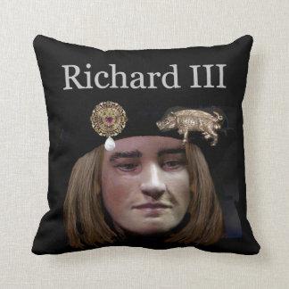 Snuggle up to Richard III Throw Pillow
