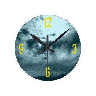 Soar Round Clock