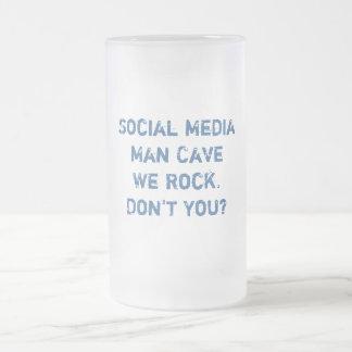 Social Media Man Cave Stein 16 Oz Frosted Glass Beer Mug