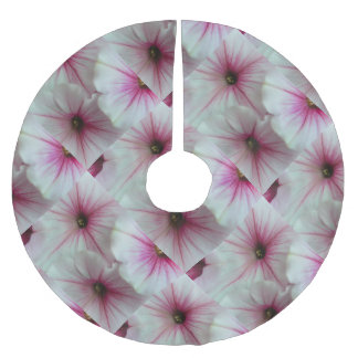 Soft and delicate Pink Petunias Brushed Polyester Tree Skirt