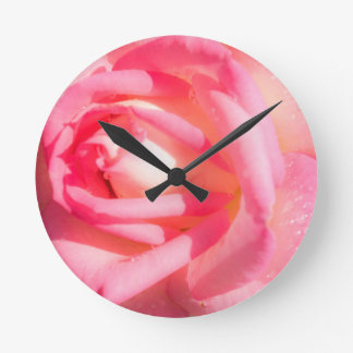 Soft Pink Round Clock