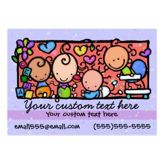Soin de jour de garde d'enfants. Childcare.Purple. Modèles De Cartes De Visite