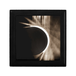 solar eclipse gift box