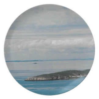 Solo Sister Island Party Plates