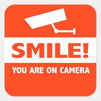 Sourire vous êtes sur l'appareil-photo sticker carré