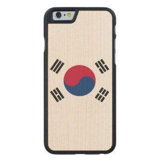 South Korea Flag Carved® Maple iPhone 6 Slim Case