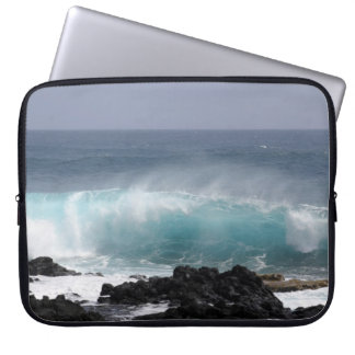 South Point Wave, Hawaii Laptop Sleeve