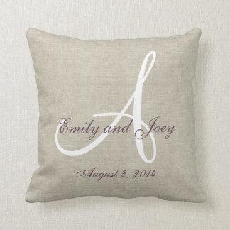Souvenir blanc pourpre de toile beige de mariage oreillers