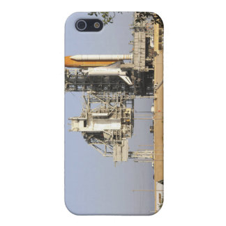 Space Shuttle Discovery sits ready 3 iPhone 5/5S Cover
