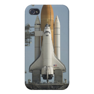 Space Shuttle Discovery sits ready Cases For iPhone 4