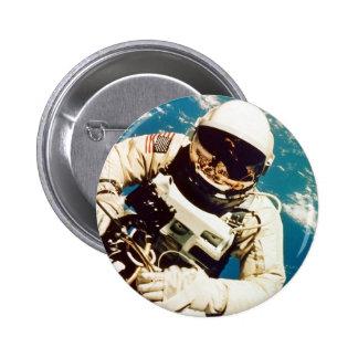Spacewalk d'astronaute macaron rond 5 cm