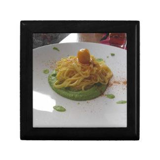 Spaghetti with bottarga on asparagus sauce gift box