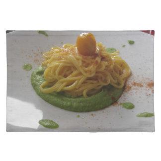 Spaghetti with bottarga on asparagus sauce placemat
