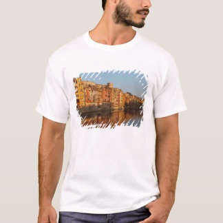 Spain. Catalonia. Gerona. Houses on the Onyar T-Shirt