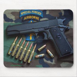 special forces green berets veterans Mousepad