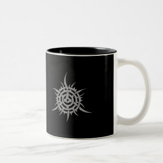 SPIKED CHAINRING TWO-TONED MUG