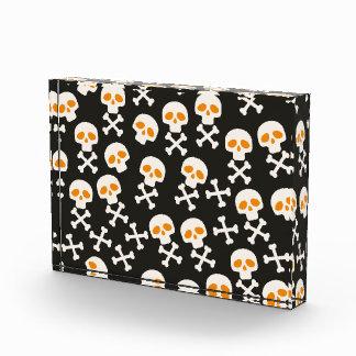 Spooky Halloween White Skulls Pattern on Black