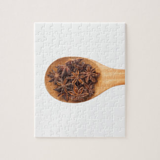 Spoon with star anise puzzle