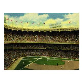Sports vintages, stade de base-ball, drapeaux et cartes postales
