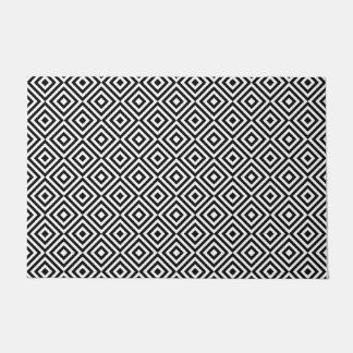 Square shape pattern doormat