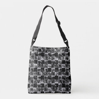 Squizz (charcoal) crossbody bag