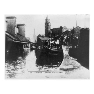SS Thomas leaving Wigan Pier Postcard