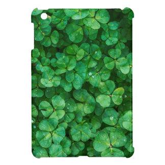 St Patrick lucky clovers iPad Mini Case