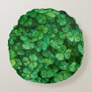 St Patrick lucky clovers Round Pillow