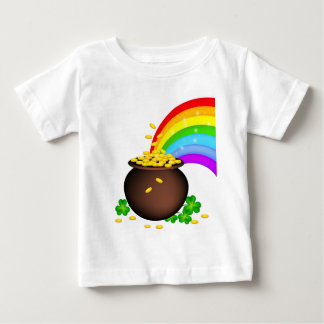 St patricks day coin pot with rainbow baby T-Shirt