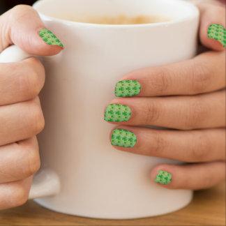 St. Patrick's Day Green Shamrock Beer Mug Nail Art