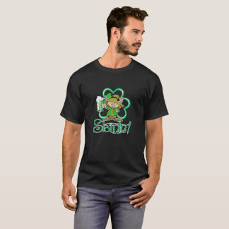 "St. Patrick's Day Leprechaun Beer ""Slainte"" T T-Shirt"