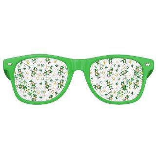 St Patricks day pattern Retro Sunglasses