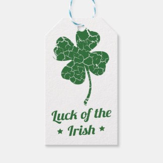 st patricks distressed lucky clover gift tags