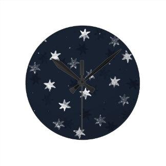 Stamped Star Round Clock